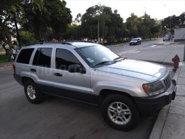 Jeep Cherokee 4.0 cc usado (2004) color Gris Plata  precio u$s8,500