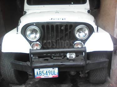 foto Jeep CJ7 TECHO DURO