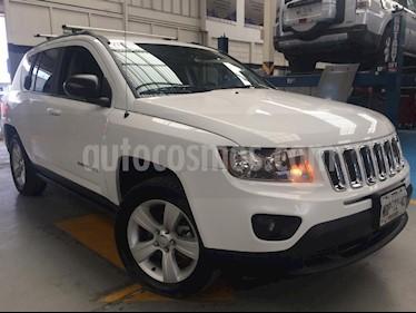 Foto venta Auto Seminuevo Jeep Compass 4x2 Latitude Aut (2014) color Blanco precio $240,000