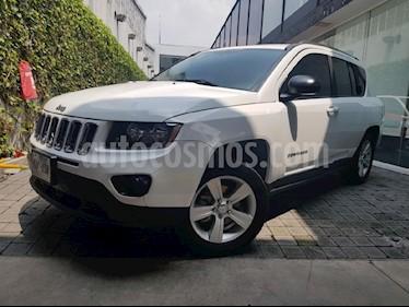 Foto venta Auto Seminuevo Jeep Compass 4x2 Latitude Aut (2014) color Blanco precio $209,000