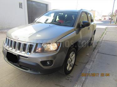 Foto venta Auto Seminuevo Jeep Compass 4x2 Latitude (2014) color Gris precio $220,000
