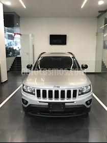 Foto venta Auto Usado Jeep Compass 4x2 Latitude (2014) color Plata precio $225,900
