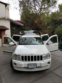 Foto venta Auto usado Jeep Grand Cherokee Laredo 4x2 3.6L V6 (2007) color Blanco precio $125,000