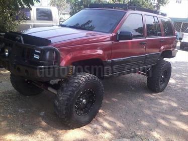 Jeep Grand Cherokee Laredo 4x4 (92l) V8,5.2i,16v A 1 2 usado (1998) color Rojo Adrenalina precio u$s4.500