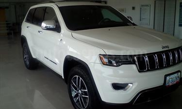 Foto venta carro Usado Jeep Grand Cherokee Limited 4.7L Aut 4x4 (2017) color Blanco precio u$s39.200