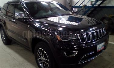 Foto venta carro usado Jeep Grand Cherokee Limited 4.7L Aut 4x4 (2017) color Negro precio u$s40.000
