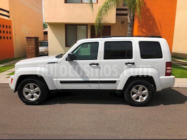 Foto venta Auto usado Jeep Liberty Sport 4x2 Piel  (2013) color Blanco precio $235,000