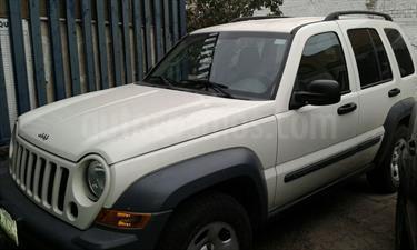 Foto venta Auto Usado Jeep Liberty Sport 4X4 (2006) color Blanco precio $96,000
