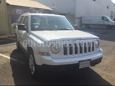 Foto venta Auto Seminuevo Jeep Patriot 4x2 Sport Aut (2016) color Blanco precio $240,000