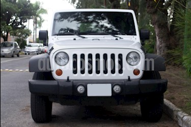 Jeep Wrangler Unlimited Sport 4x4 3.6L Aut  usado (2013) color Blanco precio $330,000