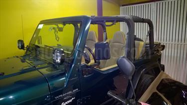 Foto venta Auto usado Jeep Wrangler X 4x4 4.0L Techo Lona Aut (1997) color Verde precio $143,000