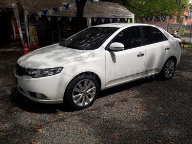 Foto venta Carro usado KIA Cerato Forte 1.6L  (2012) color Blanco / Gris precio $35.000.000
