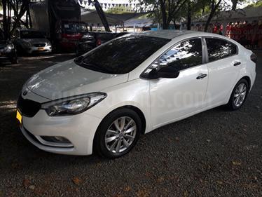Foto venta Carro usado KIA Cerato Pro 1.6L  (2015) color Blanco precio $49.500.000