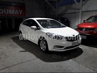 Foto venta Auto Usado Kia Cerato EX 1.6L 6MT AC (2015) color Blanco precio $7.680.000