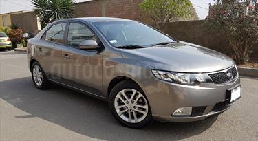 Foto venta Auto usado KIA Cerato EX 1.6L Aut (2012) color Gris Metalico precio u$s11,000