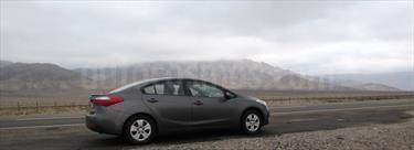 Foto venta Auto usado Kia Cerato EX 1.6L  (2013) color Gris Oscuro precio $7.200.000