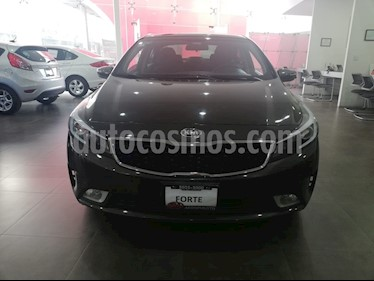 Foto venta Auto Seminuevo Kia Forte EX Aut (2017) color Cafe precio $219,000