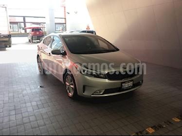 Foto venta Auto Usado Kia Forte EX (2017) color Plata precio $249,000