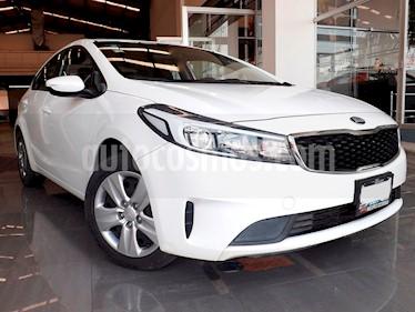Foto venta Auto Seminuevo Kia Forte L (2017) color Blanco precio $219,000