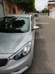 Foto venta Auto Seminuevo Kia Forte LX (2016) color Plata precio $206,000