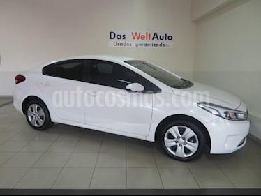 Foto venta Auto Seminuevo Kia Forte LX (2017) color Blanco precio $189,995