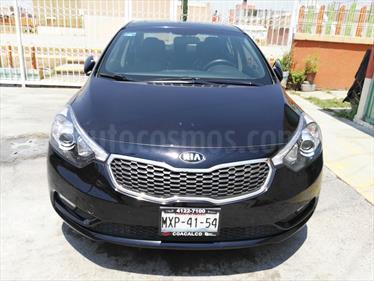 Foto venta Auto Seminuevo Kia Forte SX Aut (2016) color Negro precio $250,000