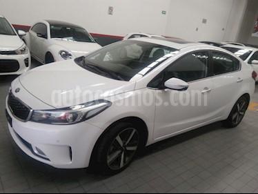Foto venta Auto Usado Kia Forte SX Aut (2018) color Blanco precio $310,000