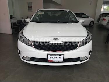 Foto venta Auto Seminuevo Kia Forte SX Aut (2018) color Blanco Alaska precio $310,000