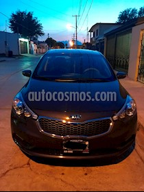 Foto venta Auto usado Kia Forte SX Aut (2016) color Azul Electrico precio $210,000