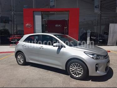 Foto venta Auto Usado Kia Rio Hatchback EX Pack Aut (2018) color Plata precio $235,000