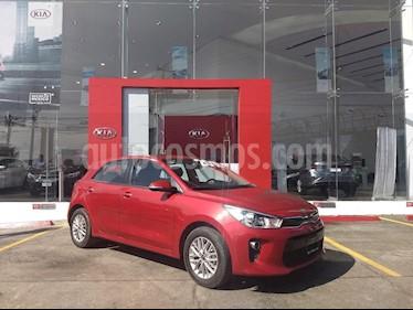 Foto venta Auto Seminuevo Kia Rio Hatchback EX (2018) color Rojo precio $273,000