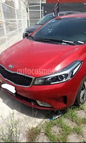 Foto venta Auto Seminuevo Kia Rio Hatchback LX (2017) color Rojo precio $275,000