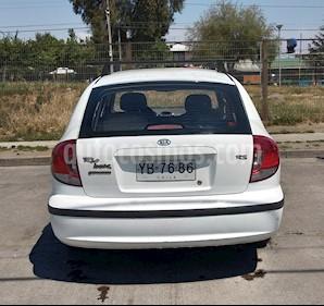 Kia Rio Look 1.3L  usado (2005) color Blanco precio $2.300.000