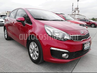 Foto venta Auto Seminuevo Kia Rio Sedan EX (2017) color Rojo precio $189,000