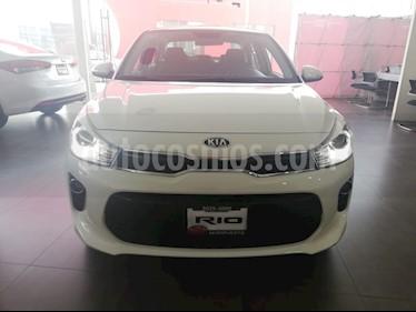 Foto venta Auto Seminuevo Kia Rio Sedan EX (2018) color Blanco precio $255,000