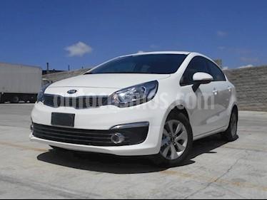 Foto venta Auto Seminuevo Kia Rio Sedan EX (2017) color Blanco precio $208,000