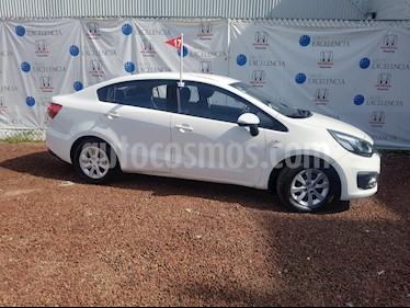 Foto venta Auto Seminuevo Kia Rio Sedan LX (2017) color Blanco precio $190,000