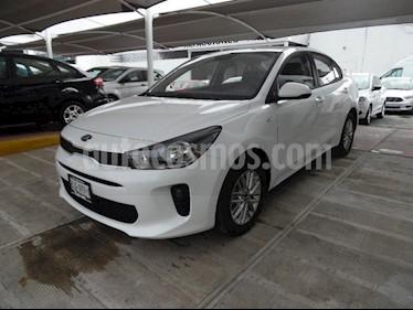 Foto venta Auto Seminuevo Kia Rio Sedan LX (2018) color Blanco precio $235,000