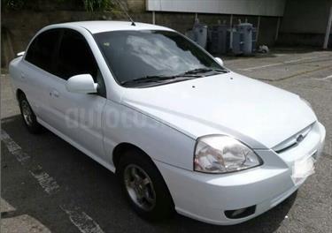 Foto venta carro usado Kia Rio JB 1.6L Aut (2012) color Blanco precio BoF30.000.000