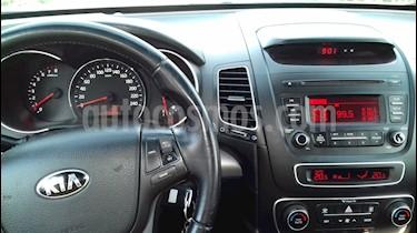 Kia Sorento C 2.4L EX GSL 4x2  usado (2014) color Plata precio $9.380.000