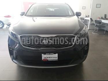 Foto venta Auto Seminuevo Kia Sorento 2.4L EX (2019) color Gris Carbono precio $445,000