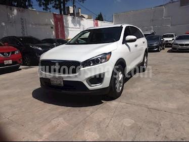 Foto venta Auto Usado Kia Sorento 2.4L LX 5 Pas (2017) color Blanco precio $330,000