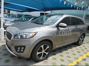 Foto venta Auto Seminuevo Kia Sorento EX Pack SWD (2017) color Gris Espejo precio $475,000