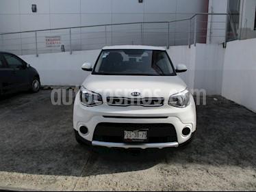 Foto venta Auto Seminuevo Kia Soul LX Aut (2018) color Blanco precio $248,000