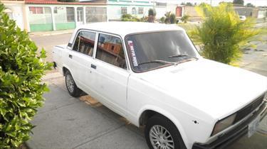 Foto venta carro Usado Lada 21051 Version sin siglas L4 1.2 (2001) color Blanco Perla precio u$s350.000