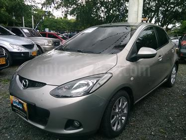 Mazda 2 1.5 5P usado (2010) color Plata precio $25.000.000