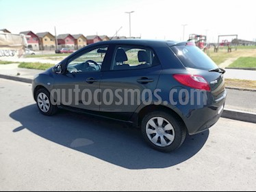 Foto Mazda 2 1.5 V  usado (2011) color Gris precio $4.900.000