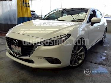 Foto venta Auto Seminuevo Mazda 3 Hatchback s Grand Touring Aut (2017) color Blanco Perla precio $310,000