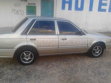 Mazda 323 SEDAN usado (2002) color Perla precio u$s1.200