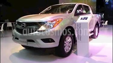 Foto venta carro usado Mazda BT-50 2.2L (2015) color Gris precio BoF6.180.000